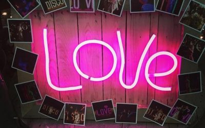 Neon LOVE Photo frame